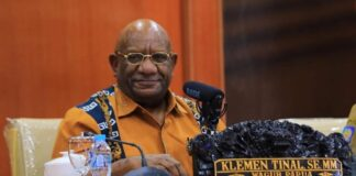 Wakil Gubernur Papua, Klemen Tinal meninggal dunia, Jumat (21/05/2021)/ lelemuku.com