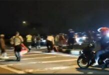 Viral video sejumlah pemotor terobos hadangan polisi