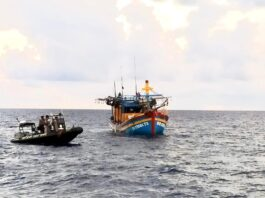 Tim Bakamla Saat Mencegat Kapal Ikan Berbendera Vietnam