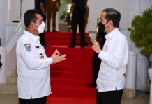 Foto Presiden Jokowi dan Gubernur Kepri Ansar Ahmad