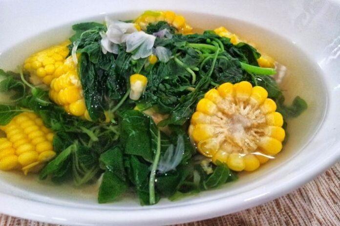 Sayur bayam punya banyak manfaat kesehatan, di antaranya bisa memperkuat tulang