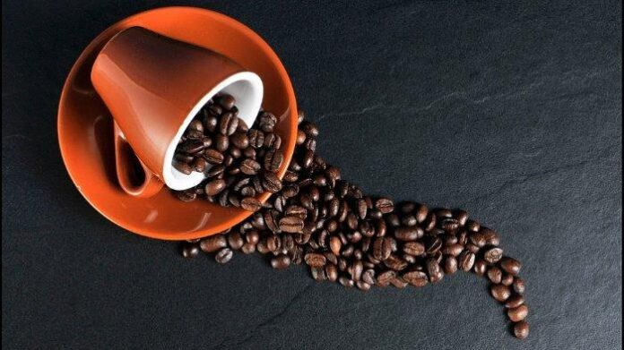 Ilustrasi kopi. Simak penjelasan tentang kafein, makanan dan minuman apa saja yang mengandung kafein, dan manfaatnya bagi kesehatan.