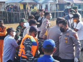 INSIDEN LAUT KM WICLY JAYA SAKTI - Warga Lingga, Provinsi Kepri korban KM Wicly Jaya Sakti yang tenggelam di sekitar perairan Jambi dibawa pulang ke Dabo Singkep, Kabupaten Lingga
