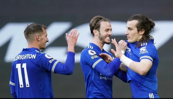 Bek Leicester City Caglar Soyuncu (kanan) bersama James Maddison dan Marc Albrighton merayakan gol penentu kemenangan 2-1 di menit ke-66 atas tuan rumah Manchester United di Old Trafford, Rabu (12/5/2021) sekaligus mengukuhkan Manchester City sebagai juara Liga Inggris 2020/21. (Foto dari Premierleague.com)