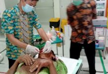 Tersangka pemerkosaan anak di Lumajang dirawat setelah babak belur dihakimi massa. ©2021 Merdeka.com