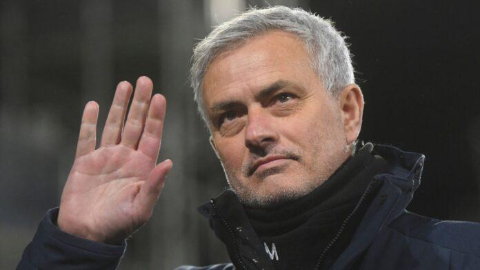 Jose Mourinho telah ditunjuk sebagai pelatih AS Roma untuk musim 2021/22. Ini adalah periode keduanya di Serie A Italia, setelah sebelumnya sukses besar bersama Inter Milan. (Foto dari Sky Sports)