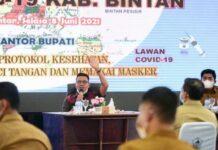 Foto kegiatan rapat evaluasi yang dipimpin Bupati Bintan Apri Sujadi, Selasa (8/6/2021)