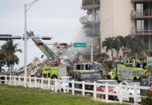 Pemandangan apartemen di Miami, Florida, yang ambruk pada Kamis (24/6). (REUTERS/OCTAVIO JONES)