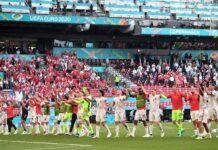 Pemain Timnas Belgia berselebrasi setelah lolos ke babak 16 besar Euro 2020. REUTERS/Stuart Franklin