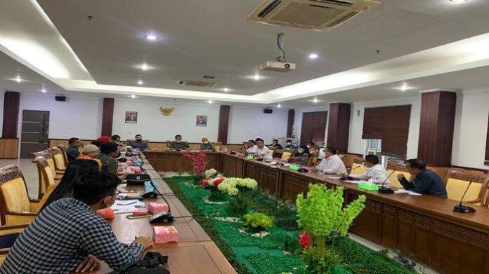 DPRD Batam soroti soal temuan rekening titipan Pemko Batam di Bank Riau Kepri, (17/6)