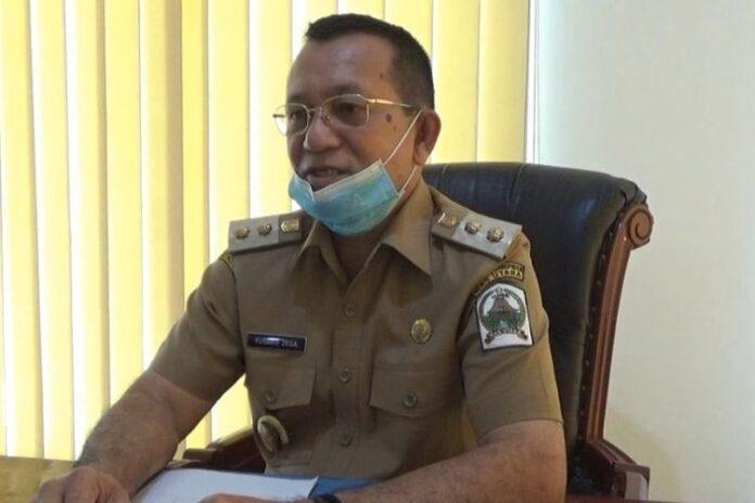 Wakil Bupati Nias Utara, Yusman Zega saat ditemui di kantornya terkait Sekda Nias Utara berinisial YN (57) yang ditangkap saat razia tempat hiburan malam di Medan. foto: kompas.com