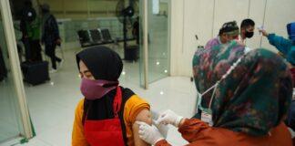 vaksinasi bagi ribuan mitra driver Gojek dan mitra usaha GoFood di Kota Batam, tanggal 8 dan 9 Juni 2021