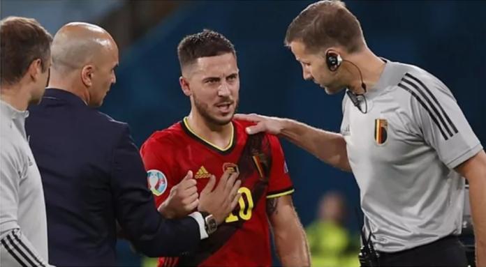 Kapten Belgia Eden Hazard mengalami cedera saat melawan Portugal pada Babak 16 Besar EURO 2020. Kevin De Bruyne juga cedera di laga yang sama, sehingga mengkhawatirkan bagi skuad besutan Roberto Martinez yang akan berhadapan dengan Italia di Babak 8 Besar. (Foto dari Marca).