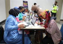 Foto proses vaksinasi di bandara hang nadim batam