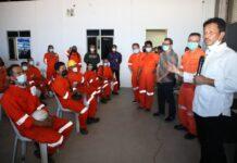 Kepala BP Batam Muhammad Rudi meninjau pelaksanaan vaksinasi Covid-19 di PT Paxocean
