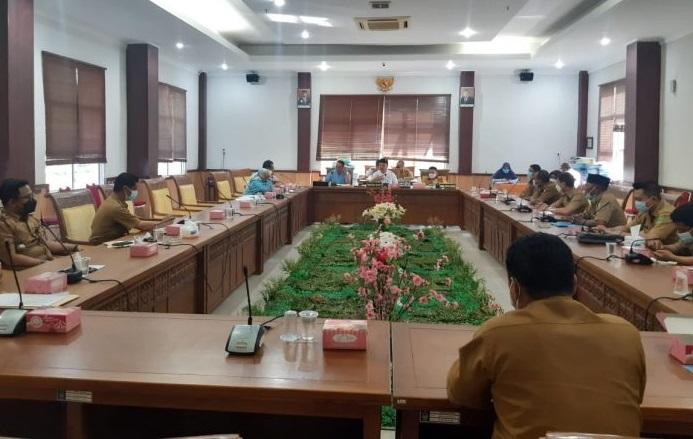 RDP Komisi I DPRD Batam terkait pemberhentian sepihak kader posyandu di Kota Batam, Rabu (9/6)/ Foto: wartakepri.co.id
