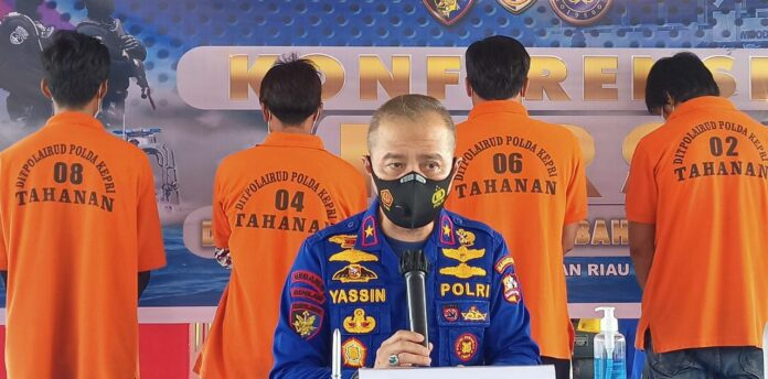 Ditpolair Korpolairud Baharkam Mabes Polri, kembali mengamankan Kapal Ikan Asing (KIA) berbendera Vietnam di perairan Natuna, Kepulauan Riau.