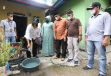 Bupati Karimun Aunur Rafiq meresmikan pemakaian air bersih 200 sambungan baru pelanggan PDAM di Kelurahan Teluk Uma, Kecamatan Tebing. Foto Suryakepri.com/YAHYA
