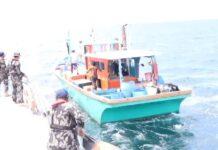Dua kapal ilegal fishing berbendera Malaysia, dan Filipina diamankan kapal Pengawas Perikanan KKP di Perairan Selat Malaka Laut Sulawesi.