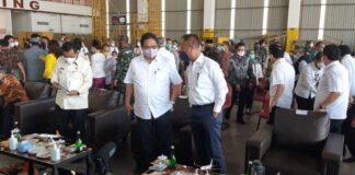 Foto.Menteri Koordinator Bidang Perekonomian Indonesia, Airlangga Hartarto melakukan Kunjungan Kerja (Kunker) ke Batam, Sabtu (12/6/2021)