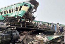 Dua Kereta Api Tabrakan Sedikitnya 32 Orang Tewas, Puluhan Korban Lain Masih Terjebak