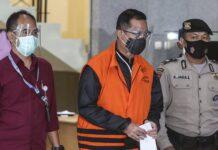 Mensos Juliari Batubara ditahan KPK. ©Liputan6.com/Johan Tallo