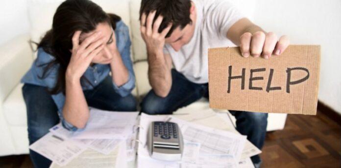 Ilustrasi: Terlilit hutang atau pinjaman online (pinjol)/ Foto: The Asian Parent