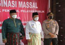 Foto. Gubernur Kepulauan Riau Ansar Ahmad kepada masyarakat, PNS dan PTT di Anambas tentang keharusan untuk melaksanakan vaksinasi.