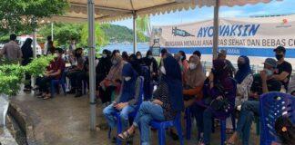 Foto . Pelaksanaan vaksinasi yang digelar di Unit Pelaksana Teknis (UPT) Rumah Sakit Umum Daerah (RSUD) Tarempa .