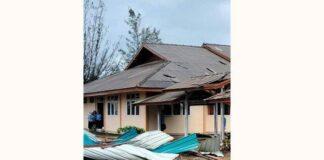 Foto Atap rumah yang rusak dihantam angin kencang disertai hujan di wilayah Kecamatan Bunguran Timur dan wilayah Kecamatan Bunguran Timur Laut Natuna, Rabu (14/7/2021)