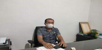Foto Plt Sekretaris Disperindagkop Natuna, Ahmad Lianda saat dikonfirmasi di ruang kerjanya, Kantor Disperindagkop Natuna, Kamis (15/7/2021)