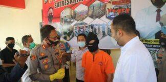 Foto Tersangka terkait Pengiriman 23 Calon TKI Ilegal di Bintan ke Malaysia