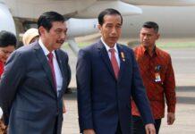 Menteri Koordinator Bidang Kemaritiman dan Investasi Luhut Binsar Panjaitan dan Presiden Jokowi