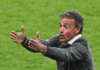 Pelatih Spanyol Luis Enrique ketika mengarahkan para pemainnya melawan Italia pada semi final EURO 2020 di Stadion Wembley, Inggris, Selasa (6/7//2021). Spanyol kalah (2-4) melalui adu penalti. (Foto: UEFA.com)