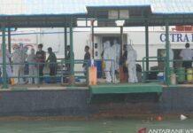 Kapal cepat rute pelayaran Batam bersandar di Pelabuhan Sri Bintan Pura Tanjungpinang. (Foto: Antara)
