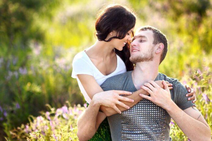Ramalan zodiak cinta dan sex. (Suryakepri/Shutterstock.)