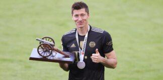 Striker Bayern Munich Robert Lewandowski didaulat sebagai pemain terbaik Bundesliga Jerman 2020/21. Dia kini menjadi rebutan Chelsea dan Manchester City. (Foto: FC Bayern)