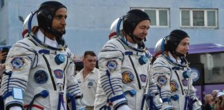 Foto Ilustrasi. Badan penerbangan AS memberikan sejumlah syarat penyebutan astronaut usai Bezos dan Branson pergi ke batas antariksa. (VYACHESLAV OSELEDKO / AFP)