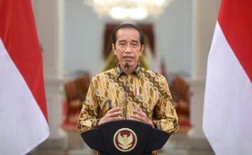 Presiden Joko Widodo saat memberikan keterangan pers mengenai penerapan PPKM Level IV di Istana Negara, Jakarta, Minggu (25/7/2021). (Foto: Setpres)