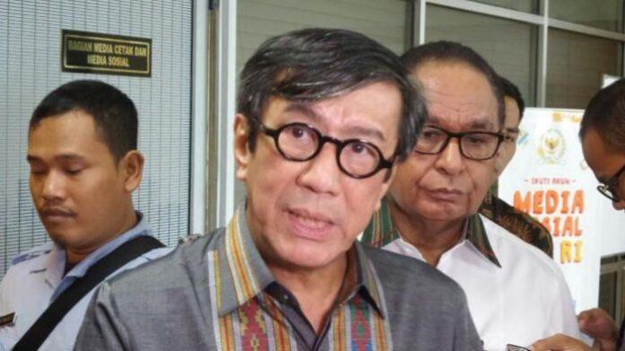 Menteri Hukum dan HAM Yasonna Laoly di Kompleks Parlemen, Senayan, Jakarta, Senin (13/2/2017). (kompas.com)