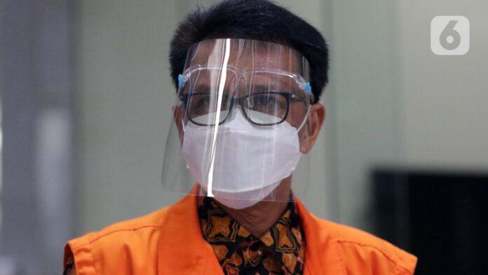 Gubernur Sulawesi Selatan non aktif, Nurdin Abdullah usai pemeriksaan lanjutan di Gedung KPK, Jakarta, Kamis (3/6/2021).
