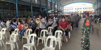 Foto pelaksanaan Vaksinasi di SP Plaza berjalan tertib dan teratur. (Irwan/BTD