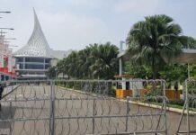 Suasana Margo City Kota Depok masih dilakukan penutupan sementara. (Liputan6.com/Dicky Agung Prihanto)