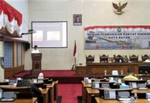 Rapat Paripurna yang digelar di ruang sidang utama Gedung DPRD Kota Batam