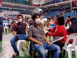 Foto Peserta vaksin Covid-19 di Temenggung Abdul Jamal Batam