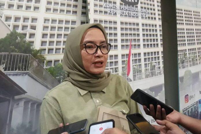 Komisioner KPU RI Evi Novida Ginting Manik di kantor KPU, Menteng, Jakarta Pusat, Kamis (27/2/2020).(foto: Kompas.com)