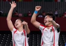 Pasangan ganda putri Indonesia Greysia Polii/Apriyani Rahayu menyumbangkan medali emas untuk kontingen Indonesia dari cabang bulu tangkis di Olimpiade Tokyo 2020. (Foto: Twitter)