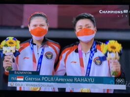 Greysia Polii/Apriyani Rahayu meraih medali emas Olimpiade Tokyo 2020 dari cabang olahraga bulu tangkis, setelah mengalahkan pasangan China Chen Qing Chen/Jia Yi Fan dengan skor 21-19, 21-15 dalam tempo 55 menit pada laga final di Lapangan 1 Musashino Forest Sport Plaza, Tokyo, Senin (2/8/2021) pagi WIB. (Foto dari Twitter)