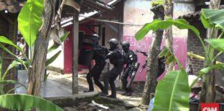 Ilustrasi. Densus 88 Antiteror Polri kembali amankan 5 tersangka teroris Jamaah Islamiyah (JI) di dua provinsi.(CNN Indonesia/ Damar)