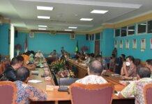 Tim Kemenko Kemaritiman RI melaksanakan pertemuan bersama Pemerintah Daerah Kabupaten Natuna bertempat di Ruang Rapat Lantai 2 Kantor Bupati Natuna, 23/09/2021.
